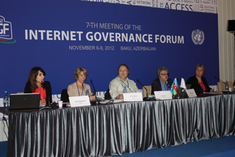 Panelists from the left to the right: Kate Pawelczyk (UNICEF), Jasmina Byrne (UNICEF), John Carr (eNACSO), Larry Magid (connectsafely.org), Maria Herzog (Hungary,UN Committee on the Convention on the Rights of the Child)